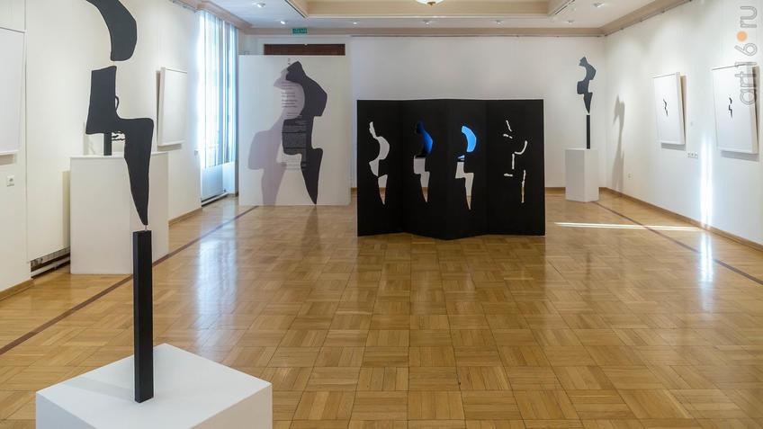 Фото №962087. Фрагмент экспозиции выставки V Казанской международной биеннале печатной графики