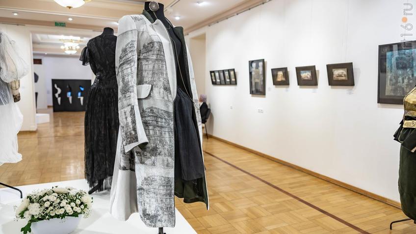 """Фото №962162. Пальто """"Театры Моцарта"""". 2019. разм. 44"""