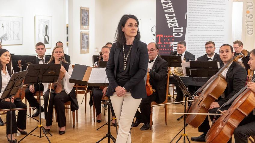 Фото №962277. Камерный оркестр «Новая музыка»,   Анна Гулишамбарова