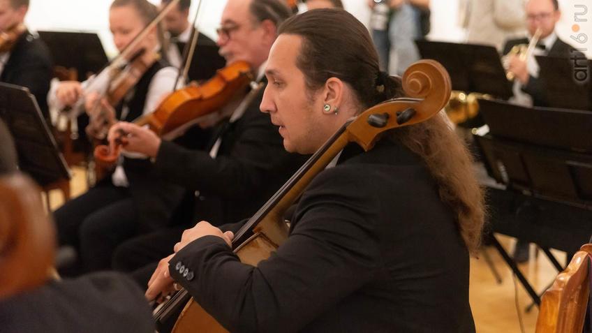 Музыканты Камерного оркестра «Новая музыка»::5-я Казанская международная биеннале печатной графики «Всадник»