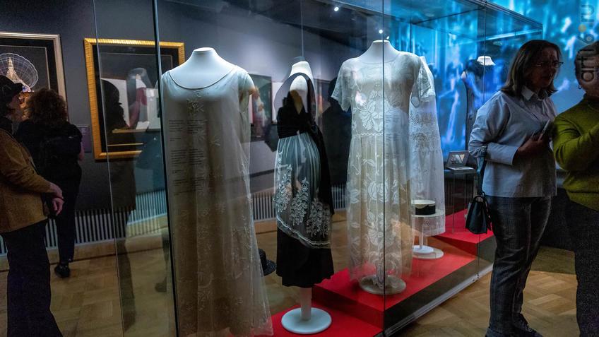 Мода и стиль. Фрагмент экспозиции. №1 и 2::Матисс. Пикассо. Шагал...