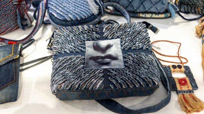 Фото №964076. Джинсовые сумки Ольги Пастернак
