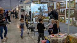 Экспозиция работ Рустема Хузина