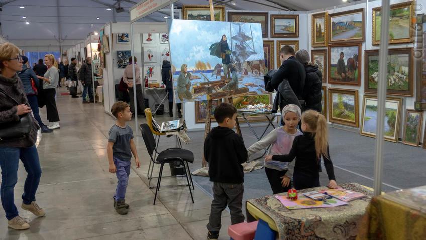Экспозиция работ Рустема Хузина::Арт-галерея 2019