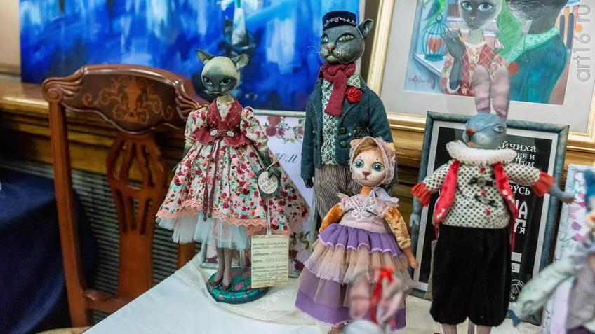 Фрагмент экспозиции  «Dolls place» выставка авторских кукол, Казань::Арт-галерея 2019