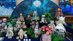 Фрагмент экспозиции  «Dolls place» выставка авторских кукол «Королевство полной луны»