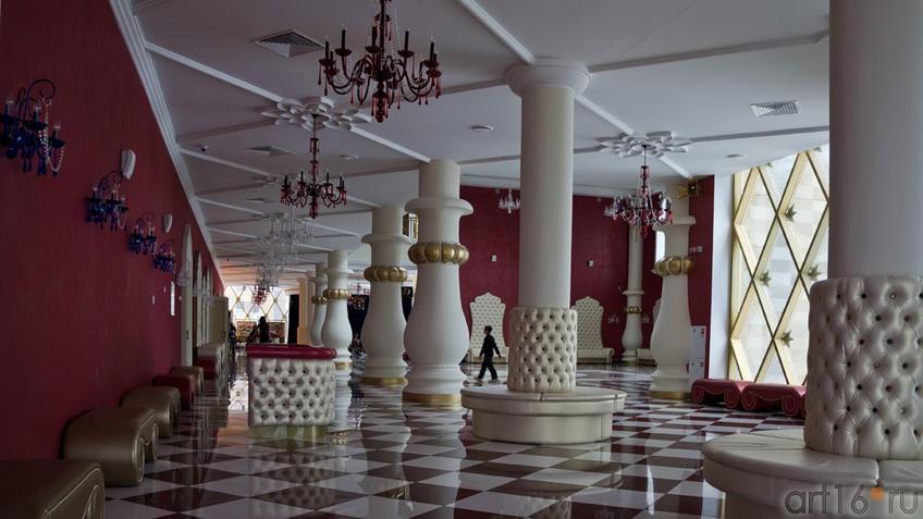 Фото №96553. Фойе Татарского государственного театра кукол ''Экият''