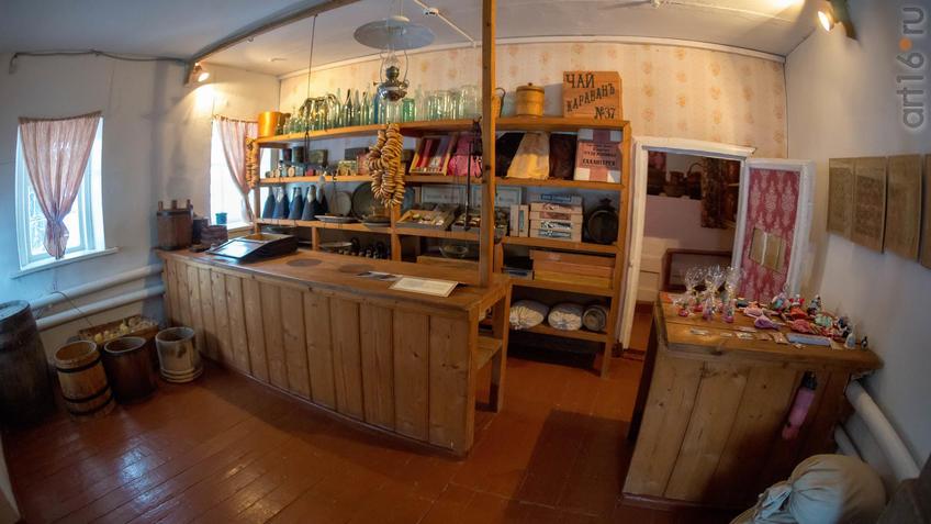 Фото №965614. Фрагмент интерьера торговой лавки