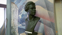 Бюст А.М.Горького. Скульптор З.Коляденко, 1979 г.