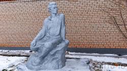 Скульптура  А.М.Горького перед Музеем Горького в Красновидово