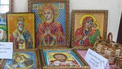 Фрагмент выставки жителей с. Красновидово в местном Доме культуры