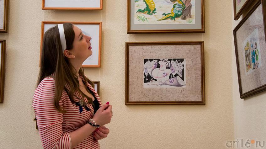 Фото №96805. У карикатур на выставке «ВыставКАрикатур» в галерее Мазитова