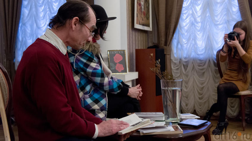 Фото №96875. Дамир Хайруллин читает стихи Вероники Тушновой
