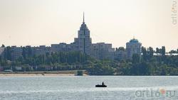 Воронежское море разделяет город на левобережную и правобережную части