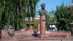 Памятник Пятницкому М.Е.