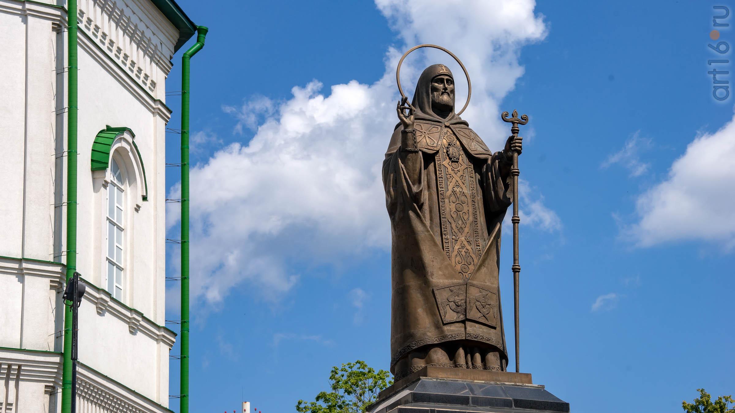 Памятник первому воронежскому епископу Митрофану::Воронеж 20.07.2019