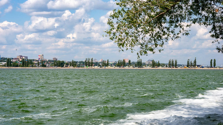 Вид на Воронежское море от парка ʺАлые парусаʺ::Воронеж 20.07.2019