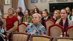 На открытии выставки А.Ф.Иншакова «Ждём весну»