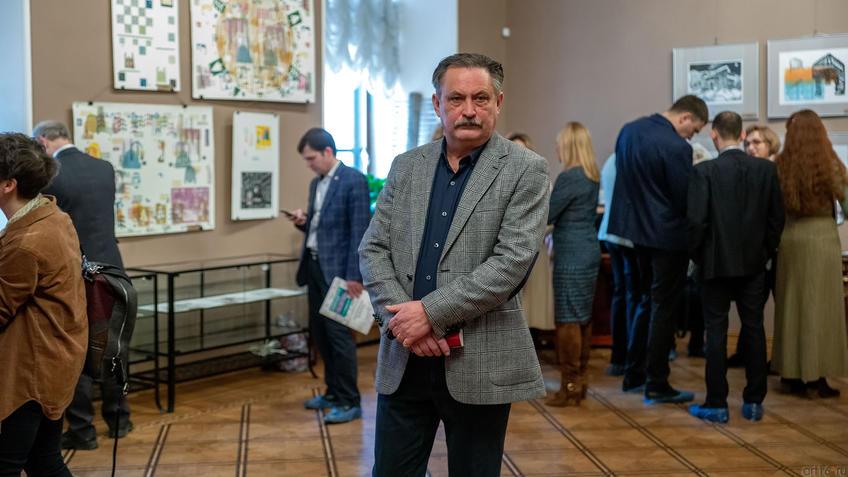 Александр Артамонов::Международная выставка графики «Пространство города»