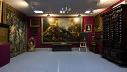 Фрагмент экспозиции выставочного центра Международного института антикрвариата