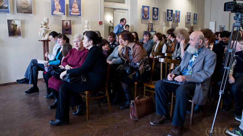 Фото №97420. Закрытие выставки А.Леонова ''Молитва в скульптуре''