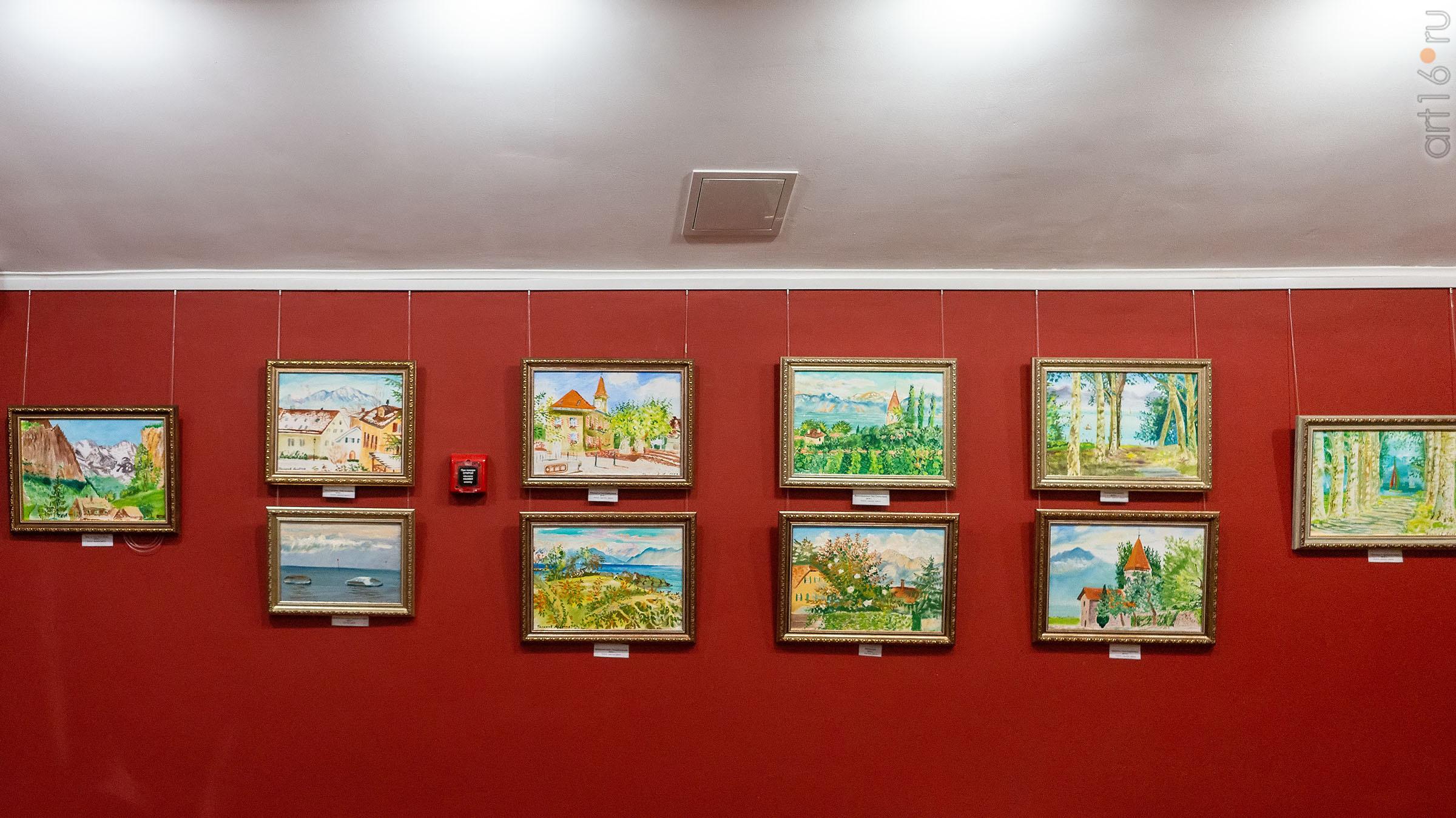 Фрагмент экспозиции выставки Альберта Галимова в Доме-музее Ленина::Альберт Галимов. Выставка «Швейцарские часы»
