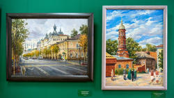 На улице Кремлевской. 2019 / Бурнаевская мечеть. Казань 1996. Азат Галимов