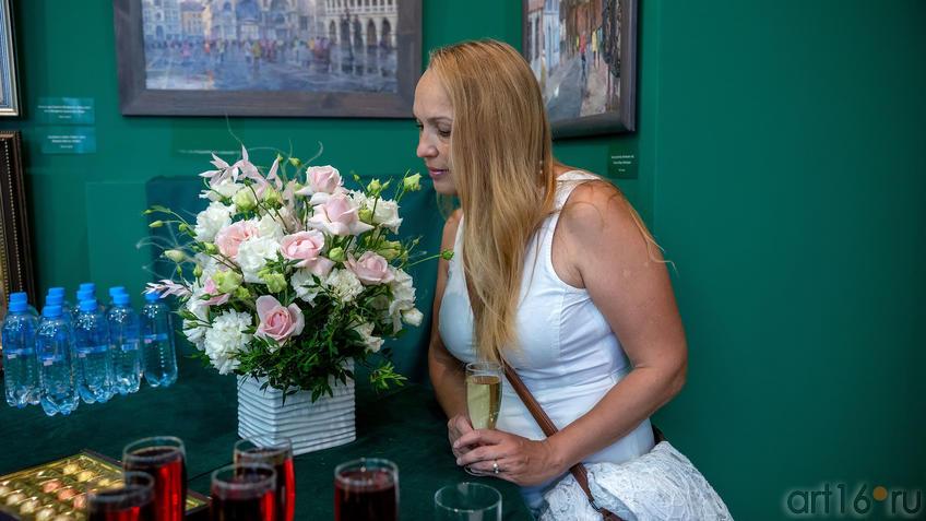 Елена Острая::Выставка «Азат Галимов. Между Западом и Востоком»