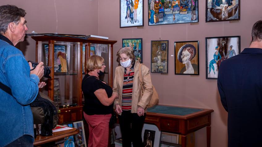 На открытии «Выставка 6 молодых художников. Взгляд через 50 лет»::Выставка 6 молодых художников. Взгляд через 50 лет. 1970-2020
