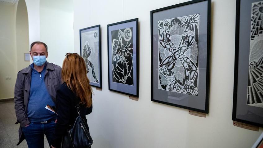 Фрагмент экспозиции «Выставки 6 молодых художников. Взгляд через 50 лет»::Выставка 6 молодых художников. Взгляд через 50 лет. 1970-2020