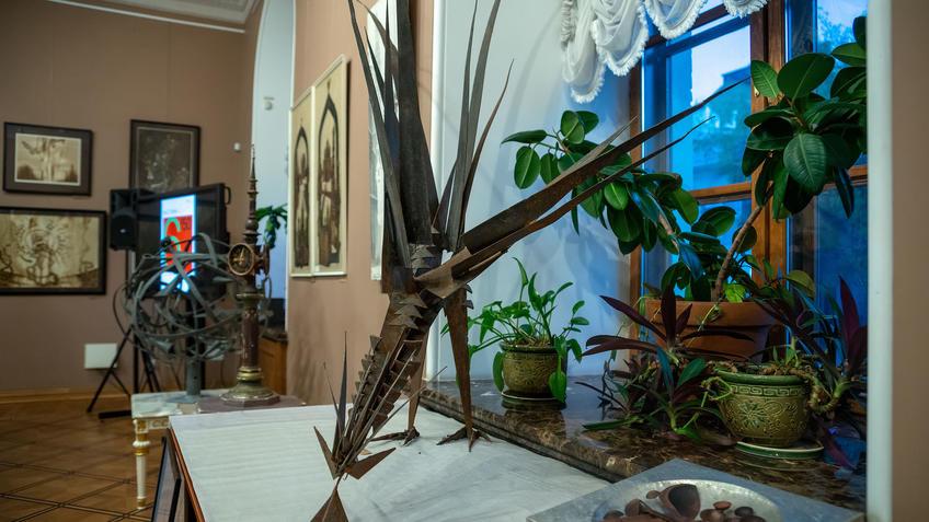 Фрагмнт экспозиции «Выставки 6 молодых художников. Взгляд через 50 лет»::Выставка 6 молодых художников. Взгляд через 50 лет. 1970-2020