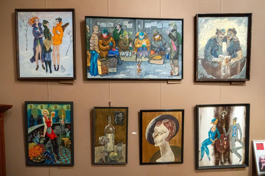 Экспозиция с картинами Фаттахова Рустема Шайгалеевича (1946-2019)::Выставка 6 молодых художников. Взгляд через 50 лет. 1970-2020