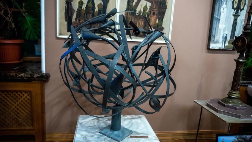 Цветы. 1990-е. Башмаков Игорь Николаевич (1943-2012)::Выставка 6 молодых художников. Взгляд через 50 лет. 1970-2020