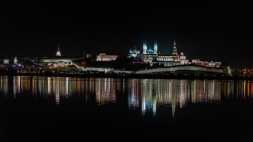 Казанский Кремль. Отражения::Ночная прогулка по Казани