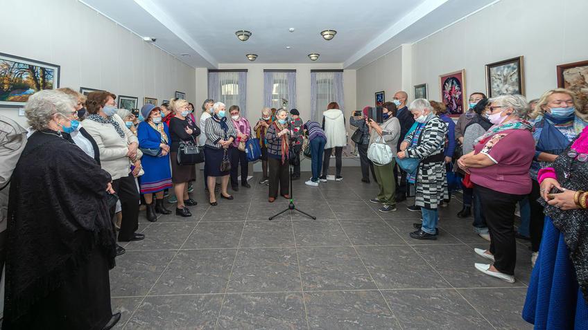 На открытии выставки Елены Шмелёвой «Мечты, сплетенные в судьбу»::Елена Шмелева «Мечты, сплетенные в судьбу»