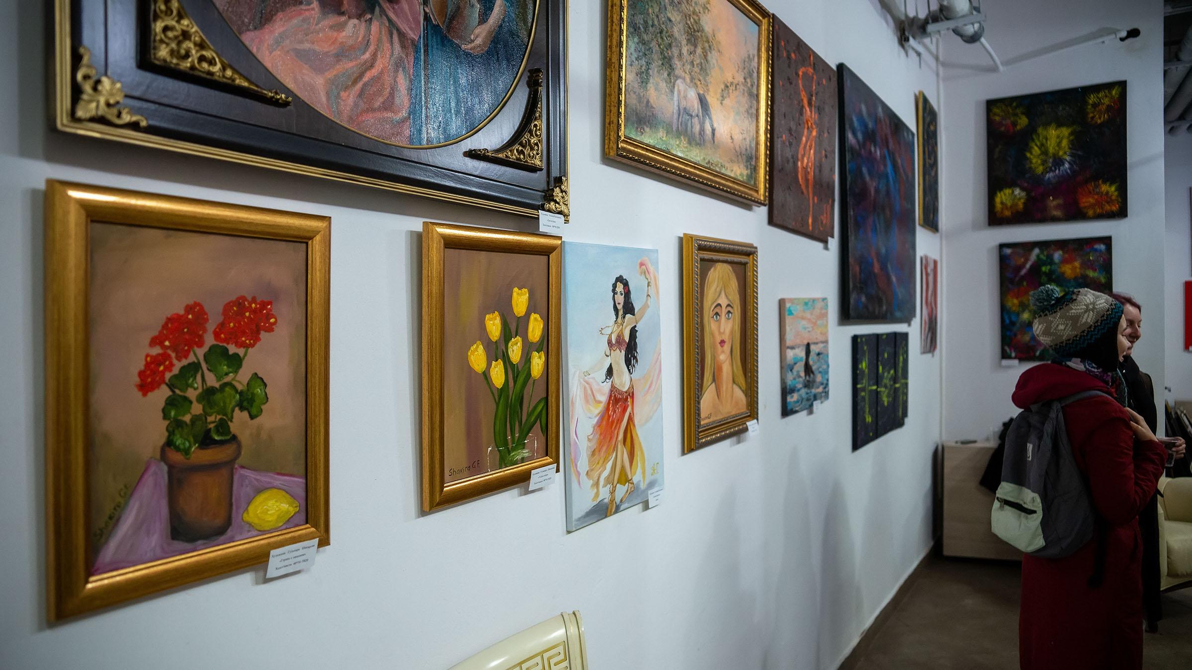 Фрагмент экспозиции выставки «АРТ ИНТЕРЬЕР»::Выставка «АРТ Интерьер»