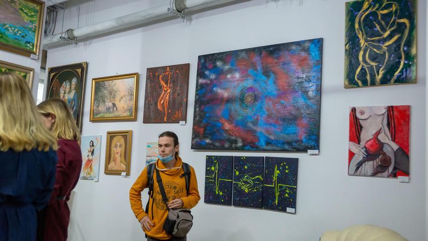 В экспозиции выставки «АРТ ИНТЕРЬЕР»::Выставка «АРТ Интерьер»