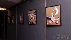 Фрагмент экспозиции  выставки Владимира Муртазина «Скромное обаяние материализма»