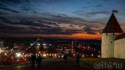 Юго-западная башня Казанского Кремля, КРЦ «Пирамида»,Казань, закат, октябрь 2020