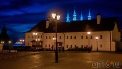 Братский корпус Спасо-Преображенского монастыря, Казанский Кремль. октябрь 2020, вечер