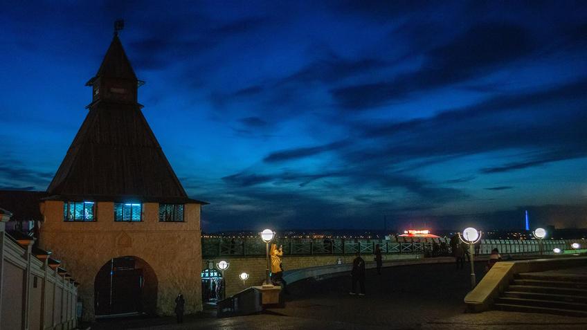 Преображенская башня Казанского Кремля, Казань, ночь. октябрь 2020::Казань, Кремль, вечерняя прогулка