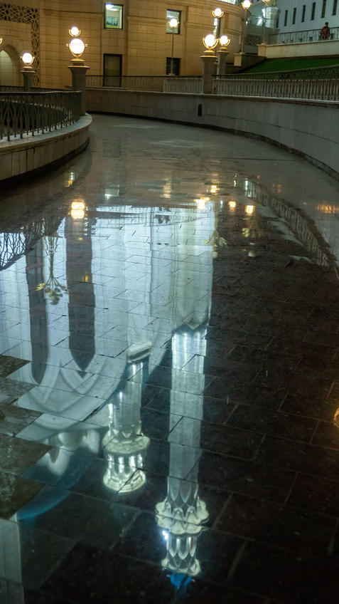 Отражение мечети Куо-Шариф. Казань, октябрь 2020, вечер::Казань, Кремль, вечерняя прогулка