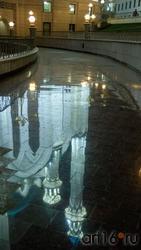 Отражение мечети Куо-Шариф. Казань, октябрь 2020, вечер