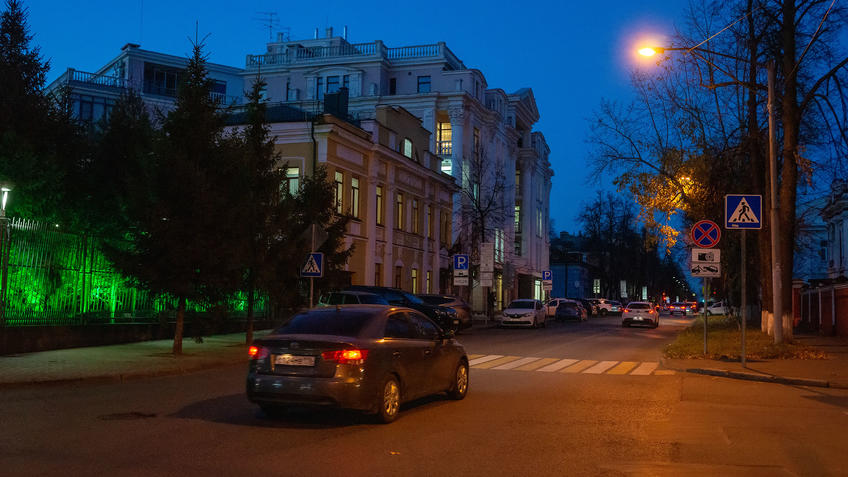 Улица Гоголя, Казань, октябрь 2020, сумерки::Казань, улицы города. Сумерки. Октябрь 2020