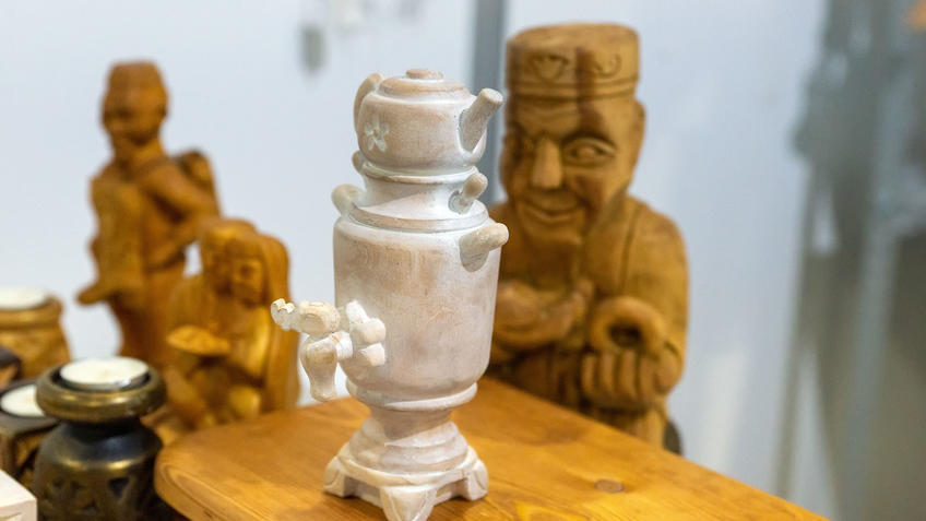 Артель по изготовлению изделий из дерева на АРТ -Галерее, Казань 2020::Арт-галерея, октябрь 2020