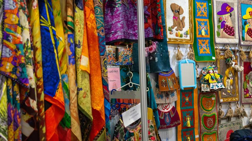 Изделия из войлока и шёлка на АРТ - Галерее, Казань 2020::Арт-галерея, октябрь 2020