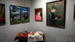 Фрагмент экспозиции выставки Т. Ильясова «Родник моей души»