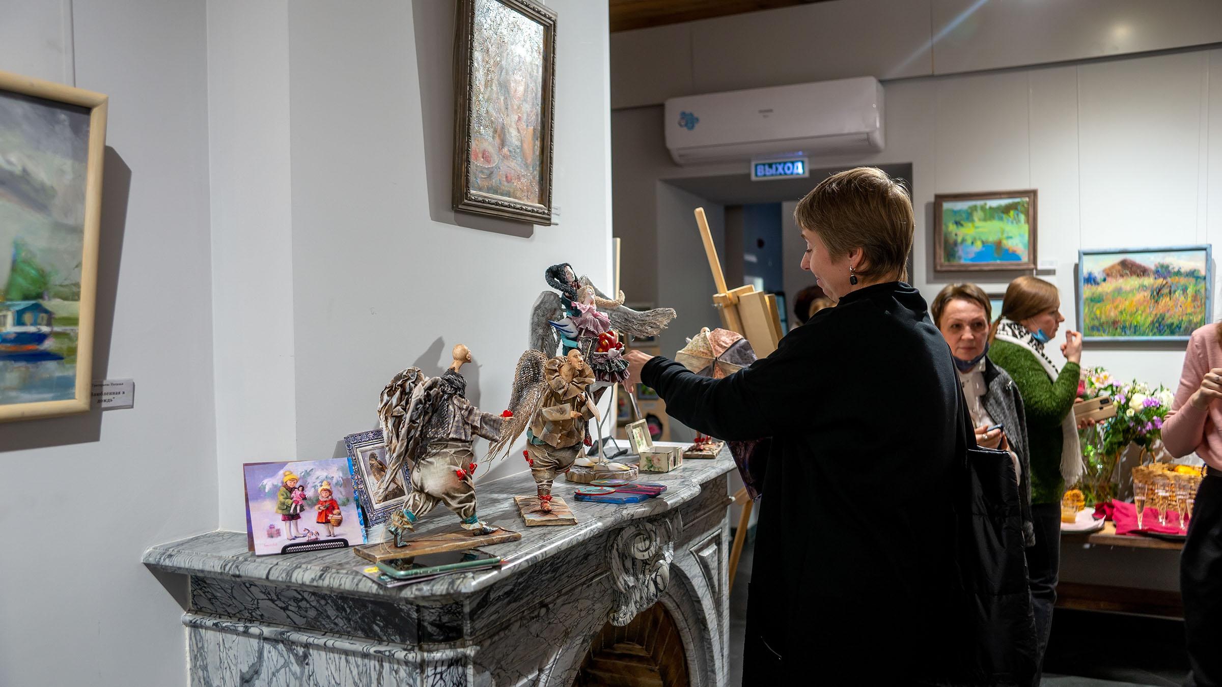 На выставке «Сентиментальное настроение», АняМаня, Наталья Григорьева::Сентиментальное настроение (Дуэт АняМаня, Н. Григорьева)