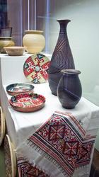 Декоративные тарелки и блюдо