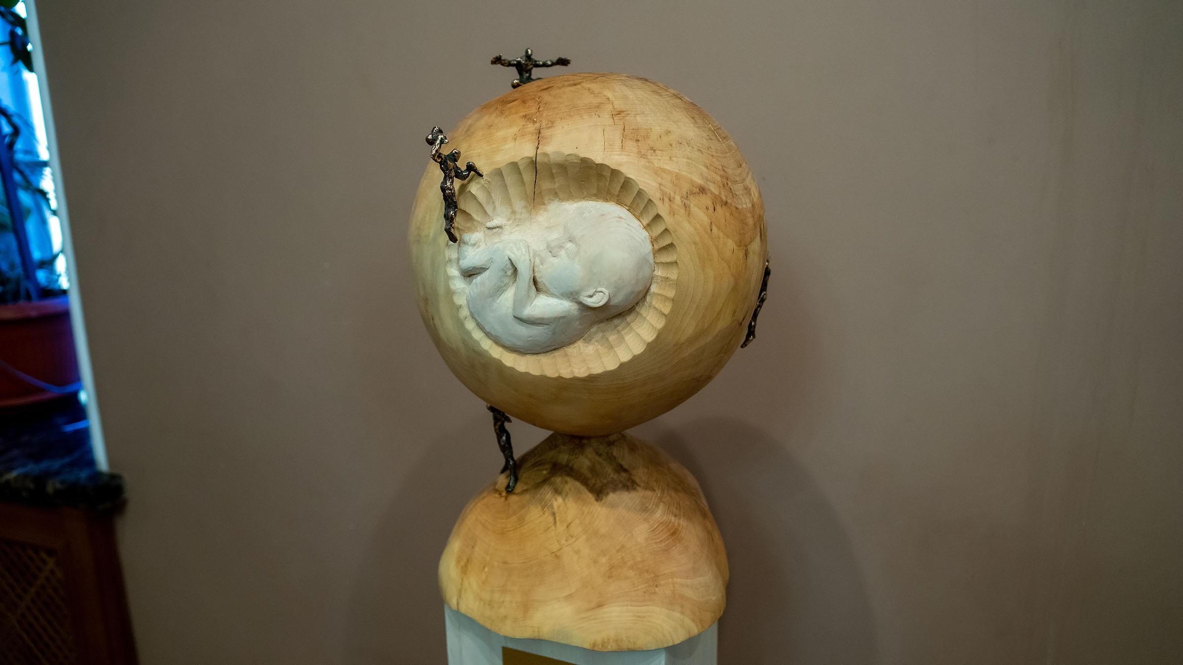 Возрождение 2021. Адель Халиуллин::«Апокалипсис. Возрождение ». Адель Халиуллин (скульптура), Анна Федорова (живопись)